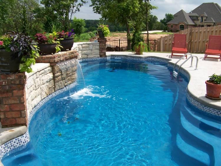 Fiberglass pool vs gunite pool