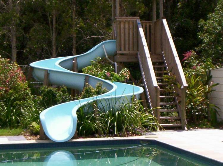 Water slide for pool