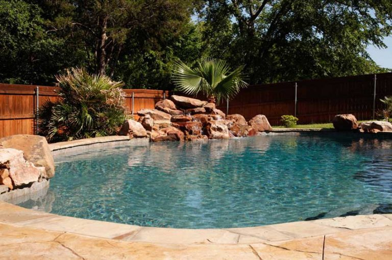 pool-with-large-accent-rocks